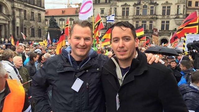 Tobias Steiger (links) und Ignaz Bearth an einer Pegida-Demonstration.