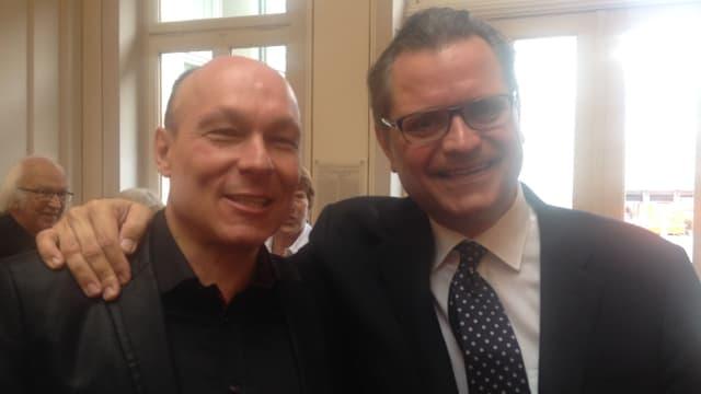 Michael Haefliger (r) und sein Laudator Dieter Ammann.