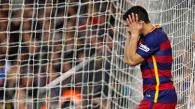 Luis Suarez zeigt sich verzweifelt.