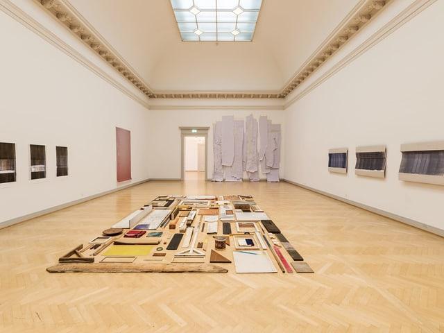 «08122018» von Tom Senn (*1976 St. Gallen), diverse Materialien.