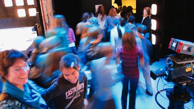 Etwa 30'000 Besucherinnen und Besucher begrüsst SRF pro Jahr hinter den Kulissen.