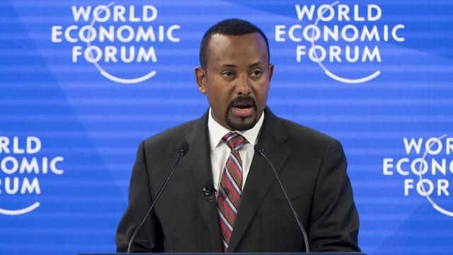 Abiy Ahmed durant il WEF a Tavau (2019).