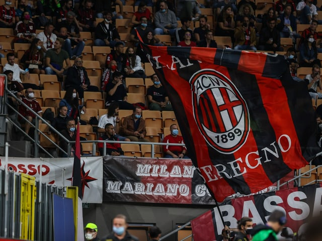 Fans im Giuseppe-Meazza-Stadion in Mailand.