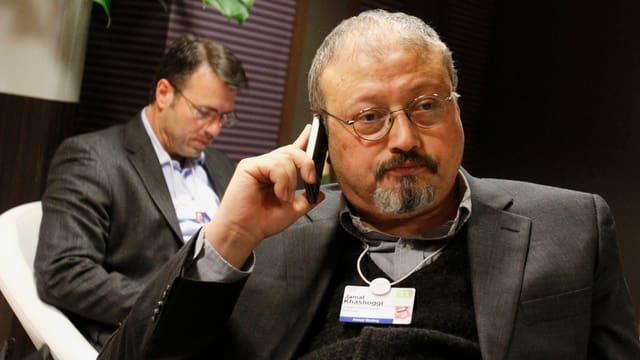 Jamal Khashoggi al telefonin.