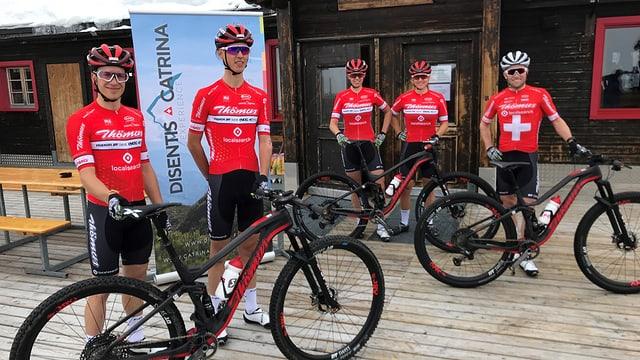 Il Thömus RN Swiss Bike Team 2019. Da san. Vital Albin, Ursin Spescha, Alessandra Keller, Kathrin Stirnemann e Mathias Flückiger
