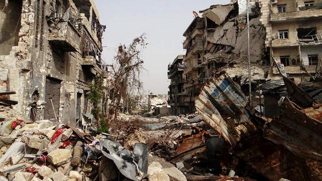Vom wütenden Krieg zerstörte Gebäude in Aleppo.