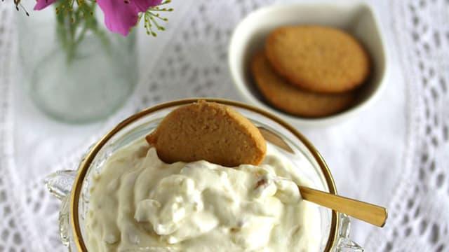 Dessert: Rohe Apfelcreme mit Zuckerguetzli