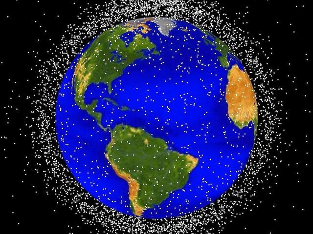 Grafik der NASA, die zeigt, wie viel Weltraumschrott sich um die Erde angesammelt hat.
