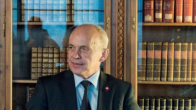Bundesrat Ueli Maurer im Bundesratszimmer.