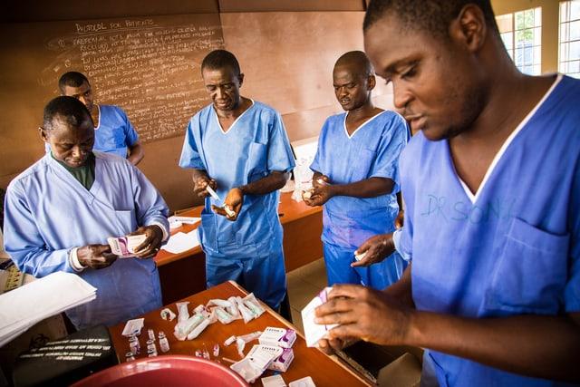 Medikamente gegen Ebola im Test