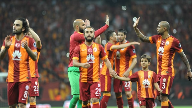 Mit 20 Titeln hat Galatasaray Istanbul den Stadtkonkurrenten Fenerbahce überholt.