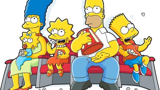 Die Comicfamilie Simpson in Kinosesseln mit Popcorn.