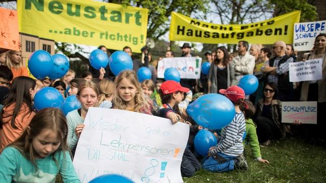 Im April 2017 provozierte die Situation am Schulhaus Brühlberg Protest von Eltern und Kindern.