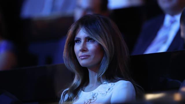 Melania Trump wartet nach oder vor ihrer Rede am Republikaner-Tag.