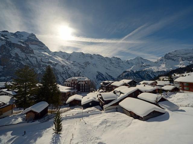 Winterbild von einem Bergdorf.