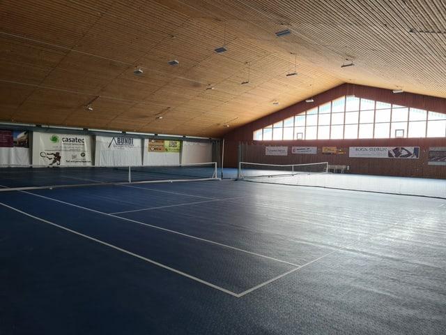 La halla da tennis è anc vida.