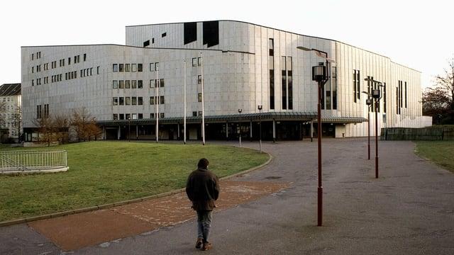 Das Essener Opernhaus in einer Aufnahme aus dem Jahr 1998.