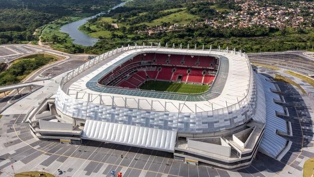 Die neu erbaute Arena Pernambuco von Recife.