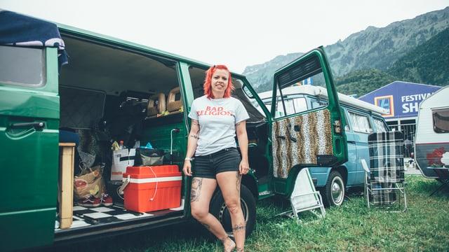 Steffi und ihr VW T3.