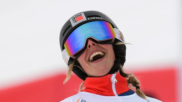 La snowboardista svizra Ladina Jenny.
