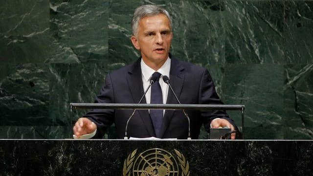Bundespräsident Didier Burkhalter spricht vor der UNO-Generalversammlung in New York.