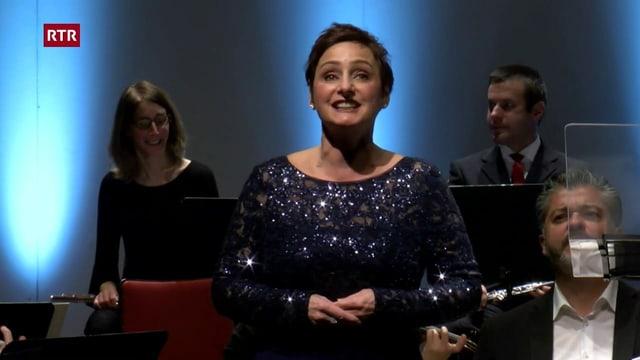La chantadura Letizia Scherrer.