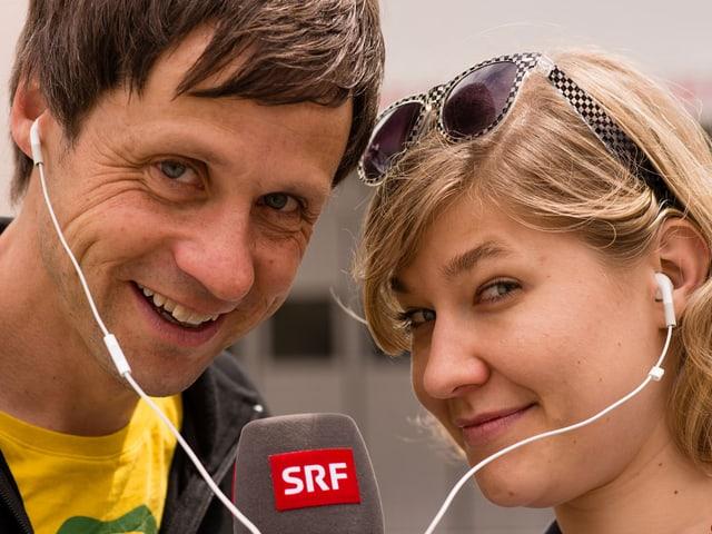 Morgenmoderatorin Anic Lautenschlager zusammen mit RTR-Reiseleiter David Spinnler.