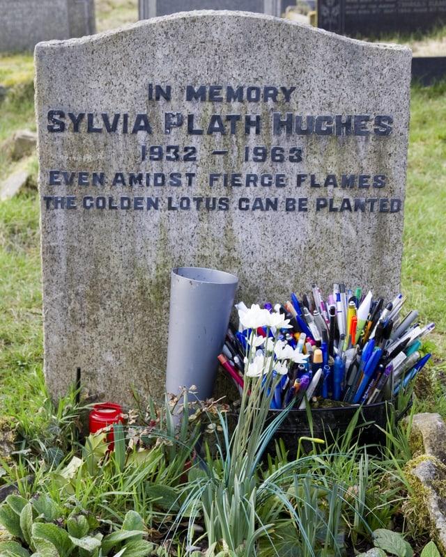 Der Grabstein von Sylvia Plath.