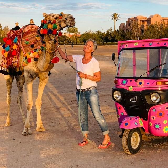 Marlis cun camel e tuk tuk