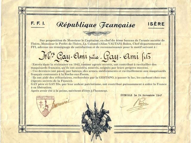 Urkunde drückt den Dank der Französischen Republik aus an den Onkel und Grossonkel der Schriftstellerin für ihre Unterstützung der Résistance.