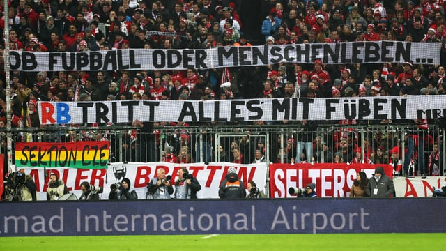 Transparent gegen RB Leipzig.