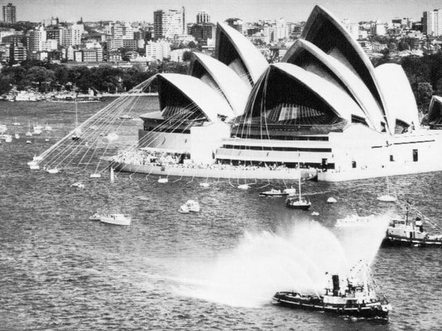 Das Sydney Opera House wird 20. Oktober 1973 eröffnet – eine Aufnahme ein Monat vor Eröffnung.
