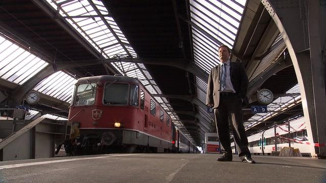 Martin Bäumle am Zürcher Hauptbahnhof