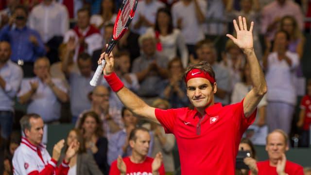 Roger Federer bejubelt seinen Sieg gegen Simone Bolelli.