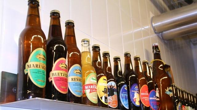 La Surselva Bräu producescha en tut 8 differentas bieras.