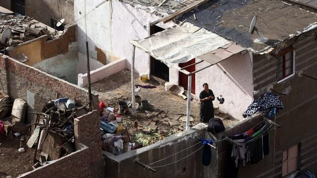 Blick auf ein Hausdach des Bulaq-Viertels in Kairo