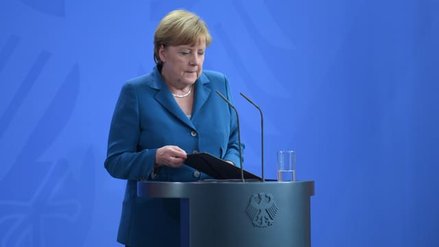 Merkel an einer Pressekonferenz