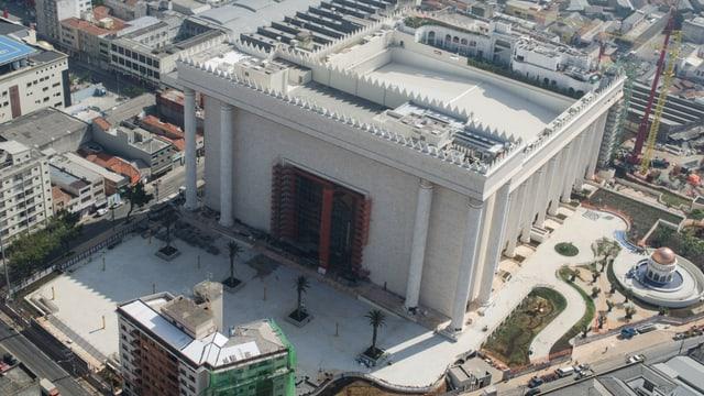 Der «Tempel Salomos» in Sao Paulo mit Hubschrauberlandeplatz.