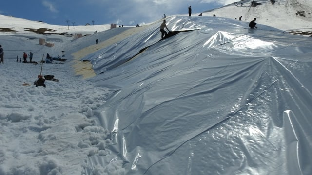 Der Schneehaufen aus der Nähe