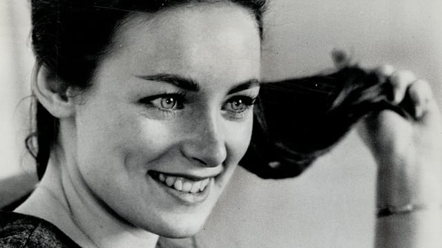 Portrait Charmian Carr schwarz-weiss.