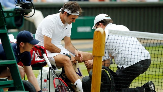 Roger Federer è sa blessà.