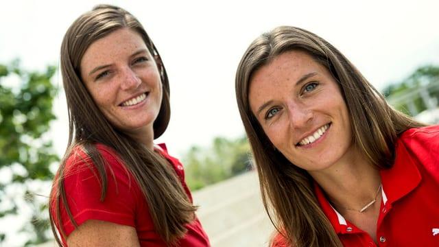 Die Leichtathletik-Schwestern Lea und Ellen Sprunger posieren gemeinsam.