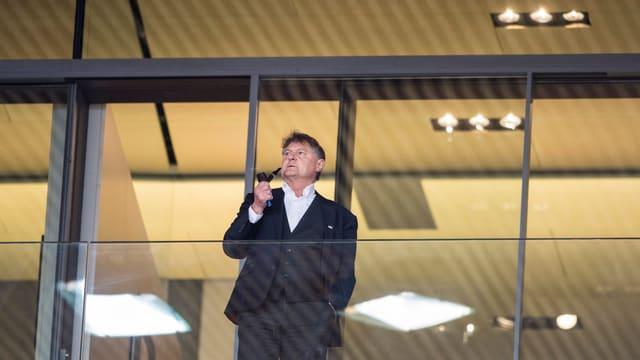 FCZ-Präsident Ancillo Canepa in seiner Loge im Letzigrund.