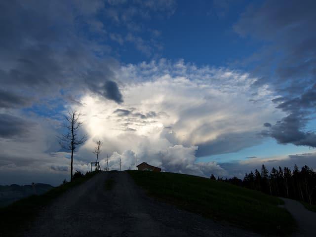 Eine Gewitterwoke bei Trogen, Appenzell Ausserrhoden.