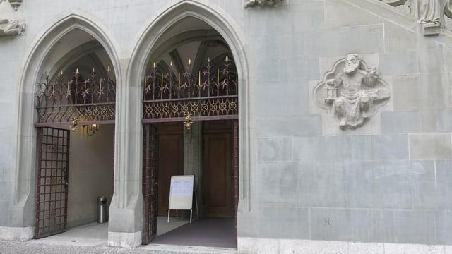 Türe zum Rathaus