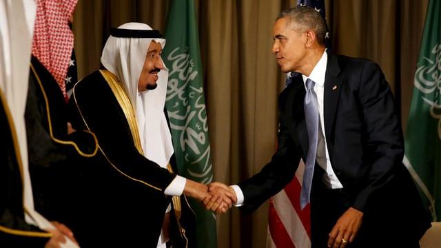 König Salman und Obama schütteln die Hände