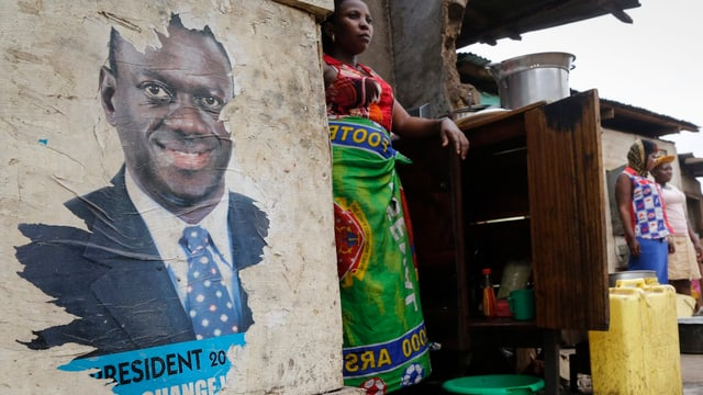 Wahlplakat in Unganda mit dem Bild von Yoweri Museveni.