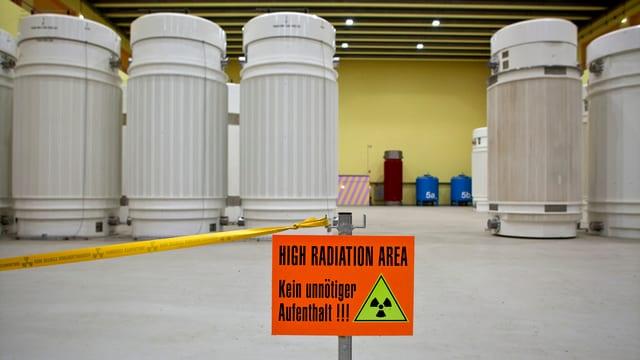 Fässer mit Atommüll