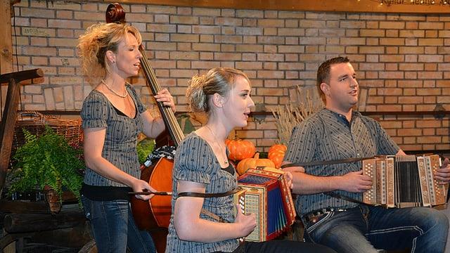 Das Trio GmUrchig im «Samschtig-Jass»