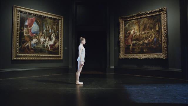 Eine Tänzerin in der National Gallery.